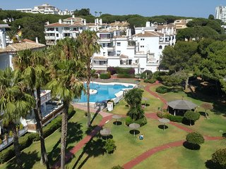 Cozy 2 bedroom apartment with sea views and walking distance to all amenities 56