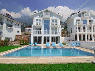 Solitaire Villa