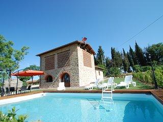 3 bedroom Villa in Pieve A Presciano, Tuscany, Italy : ref 5247566