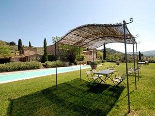6 bedroom Villa in Montalcino, Tuscany, Italy : ref 5247828