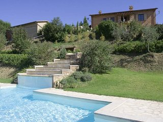 9 bedroom Villa in Chiusi Scalo, Tuscany, Italy : ref 5247800