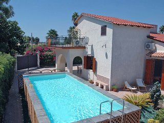 4 bedroom Villa in Ognina, Sicily, Italy : ref 5247406