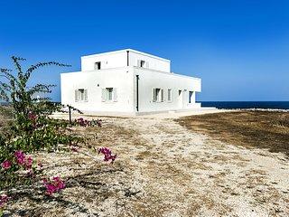 6 bedroom Villa in Portopalo di Capo Passero, Sicily, Italy : ref 5252030