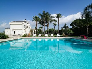 6 bedroom Villa in Ufra, Sicily, Italy : ref 5313026