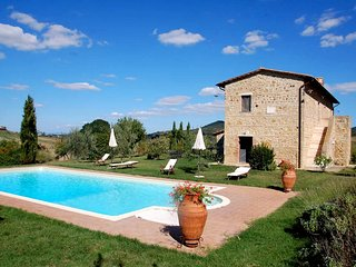 4 bedroom Villa in Monticchiello, Tuscany, Italy : ref 5247845