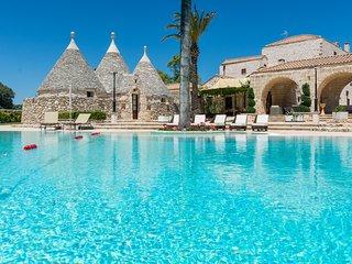6 bedroom Villa in Villa Castelli, Apulia, Italy : ref 5380369