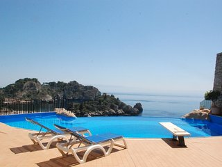 4 bedroom Apartment in Taormina, Sicily, Italy : ref 5247299