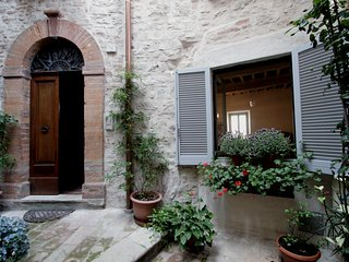 2 bedroom Apartment in Todi, Umbria, Italy : ref 5247536