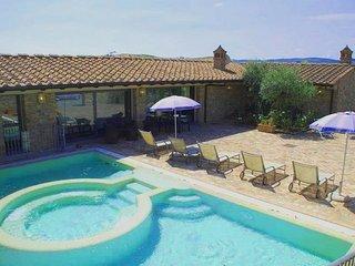 3 bedroom Villa in Le Mura, Tuscany, Italy : ref 5247618