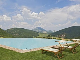 7 bedroom Villa in Antognola, Umbria, Italy : ref 5247527