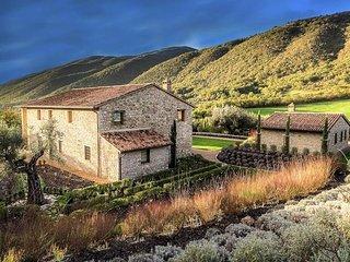 6 bedroom Villa in Palazzo Guglielmi, Umbria, Italy : ref 5247529