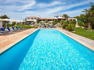 9 bedroom Villa in Malhadais, Faro, Portugal : ref 5238947