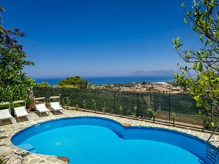 3 bedroom Apartment in Castellammare del Golfo, Sicily, Italy : ref 5247378