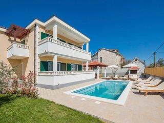 4 bedroom Villa in Stari Stafilić, Splitsko-Dalmatinska Županija, Croatia : ref
