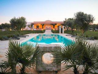6 bedroom Villa in Specchiolla, Apulia, Italy : ref 5248119