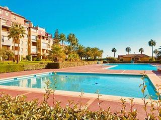 Apartamento de 2 dormitorio con vistas al mar, urbanizacion con piscina y padel