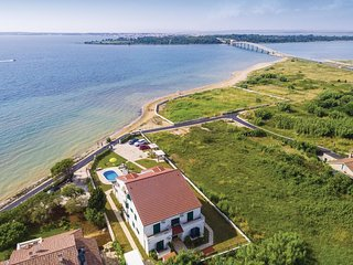 2 bedroom Apartment in Zarići, Zadarska Županija, Croatia : ref 5542434