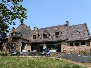 4 bedroom Villa in Saint-Martin-des-Champs, Brittany, France - 5586467