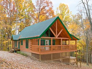 Catbird Cabin at Hummingbird Hill (Hocking Hills area)