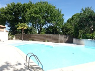 2 bedroom Apartment in Vaux-sur-Mer, Nouvelle-Aquitaine, France : ref 5559195