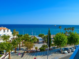 Luxury sea view apartment in the center of Nerja. Edit. Delfin