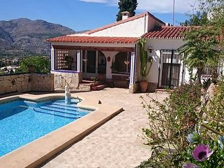 Private 4-bed family villa rental with own pool and awesome valley views