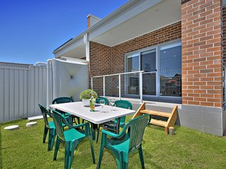 Merrylands West Holiday House 28078