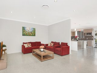 South Wentworthville Holiday House 10807