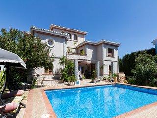 Casa Mary - Preciosa casa con piscina, jardín y wifi