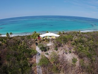 Bonefish Barbis- Oceanfront Glass House on beautiful white/pink sand beach.