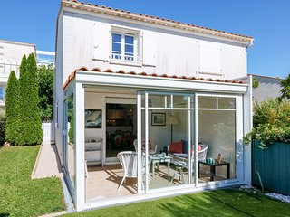 2 bedroom Apartment in Vaux-sur-Mer, Nouvelle-Aquitaine, France : ref 5535023
