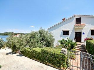 4 bedroom Villa in Makovac, Zadarska Zupanija, Croatia : ref 5559761