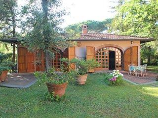 2 bedroom Villa in Marina dei Ronchi, Tuscany, Italy - 5742674