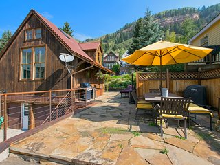 Galena Chalet 1 Bd, 1 Ba, 2 Half Baths, Sleeps 6