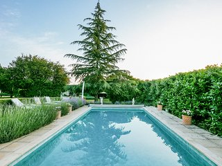 8 bedroom Villa in Pressigny, Nouvelle-Aquitaine, France : ref 5049782