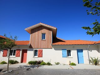 4 bedroom Apartment in Biscarrosse-Plage, Nouvelle-Aquitaine, France : ref 55584