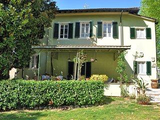 5 bedroom Villa in Lucca, Tuscany, Italy : ref 5388165