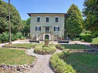 5 bedroom Villa in Lucca, Tuscany, Italy : ref 5388165