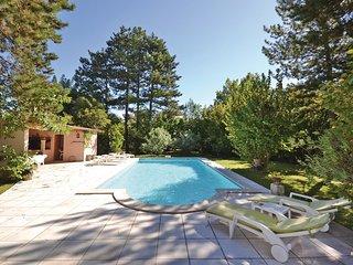 1 bedroom Apartment in L'Isle-sur-la-Sorgue, Provence-Alpes-Cote d'Azur, France