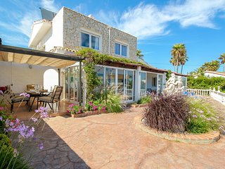 Beautiful family villa in El Faro with fantastic sea views