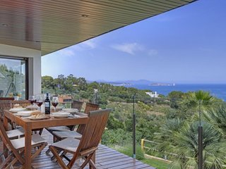 Begur Villa Sleeps 11 with Pool and WiFi - 5343763