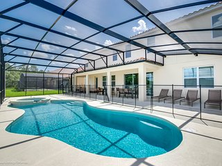 Ultimate Vacation Home - 14 Bedroom Pool Home