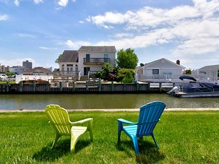 NEW LISTING! Family-friendly, waterfront condo w/ patio, shared pool, & bay view