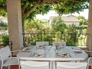 2 bedroom Villa in Les Lecques, Provence-Alpes-Côte d'Azur, France : ref 5559991
