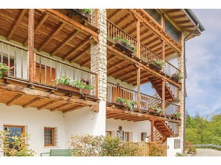 2 bedroom Apartment in Col Vigne, Veneto, Italy : ref 5547101