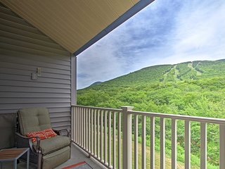 NEW! Lincoln Condo w/ Balcony & Loon Mtn. Views!