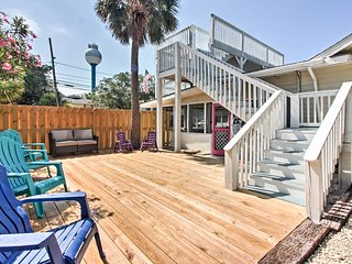 Tybee Island Home w/Decks & Porch - Walk to Beach!