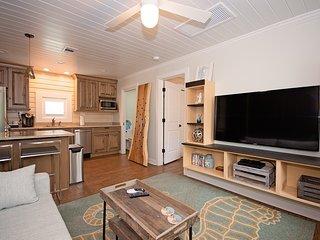 6West Luxury Beach Cottage #3