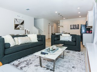 Deluxe Townhome Paradise ST4691