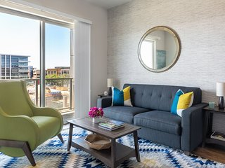 Enchanting Stay Alfred at Broadstone Scottsdale Quarter